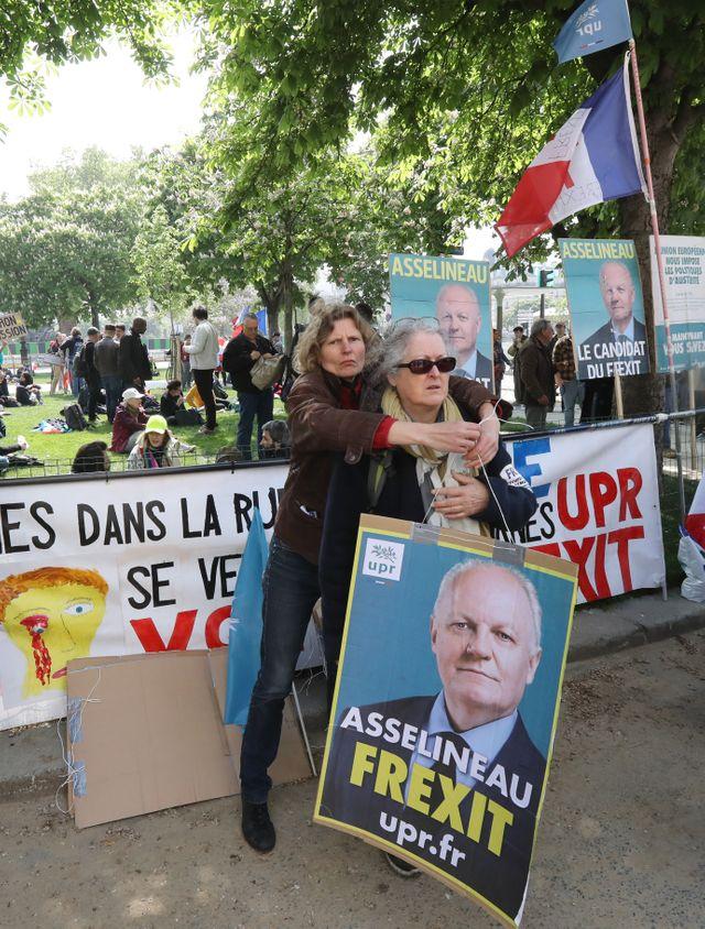 Les partisans de François Asselineau se sont eux aussi rassemblés à Paris pou réclamer la sortie de la France de l'Union Européenne