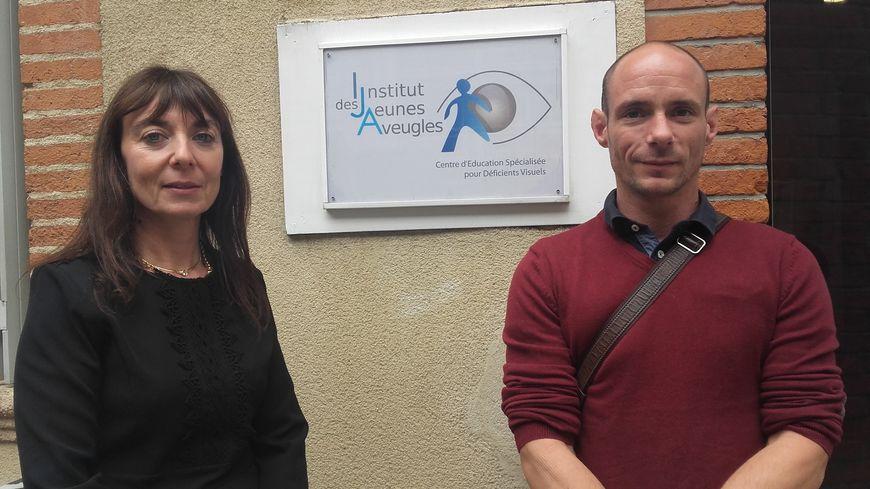 Cyrile Ichar et Baptiste Saint Martin devant l'Institut des Jeunes Aveugles à Toulouse