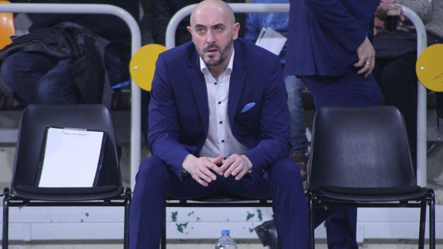 L'entraîneur Germain Castano estime que la première place de Pro B est hors d'atteinte pour cette saison. Photo d'archives