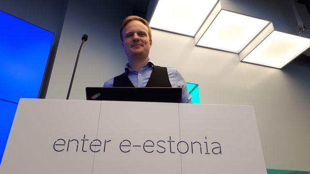 Tobias Koch, responsable de la communication pour le E-Estonia briefing Center