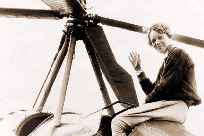 Amelia Earhart en 1932 après sa traversée en solitaire de l'Atlantique nord