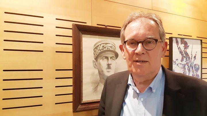 Alain Cadec dans son bureau de président du conseil départemental des Côtes d'Armor à Saint-Brieuc le 26 mai 2019