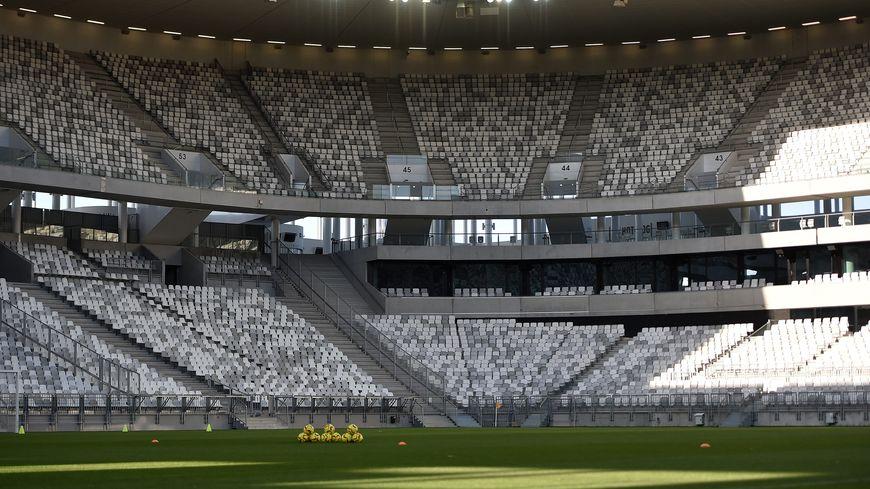 Le stade Matmut Atlantique à Bordeaux s'offre à vous pour 15 euros et par personne pour une heure de jeu entre le 12 juin et 4 juillet