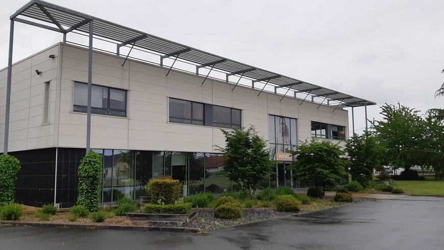 L'imprimerie Trémouillat-Fouquet (ITF) à Mulsanne dans la Sarthe ne peut plus s'approvisionner avec du papier recyclé français.