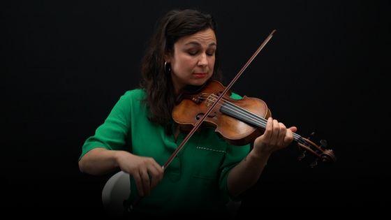 Sarah Nemtanu jouant de son violon