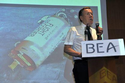 Alain Bouillard, enquêteur responsable de l'enquête de sécurité sur le vol Air France 447 du Bureau d'enquête et d'analyse de la sécurité de l'aviation civile (BEA), lors d'une conférence de presse sur les boîtes noires  le 12 mai 2011