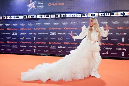 """Comment la """"ringardise"""" de l'Eurovision s'est-elle muée en scène médiatique à part ?"""