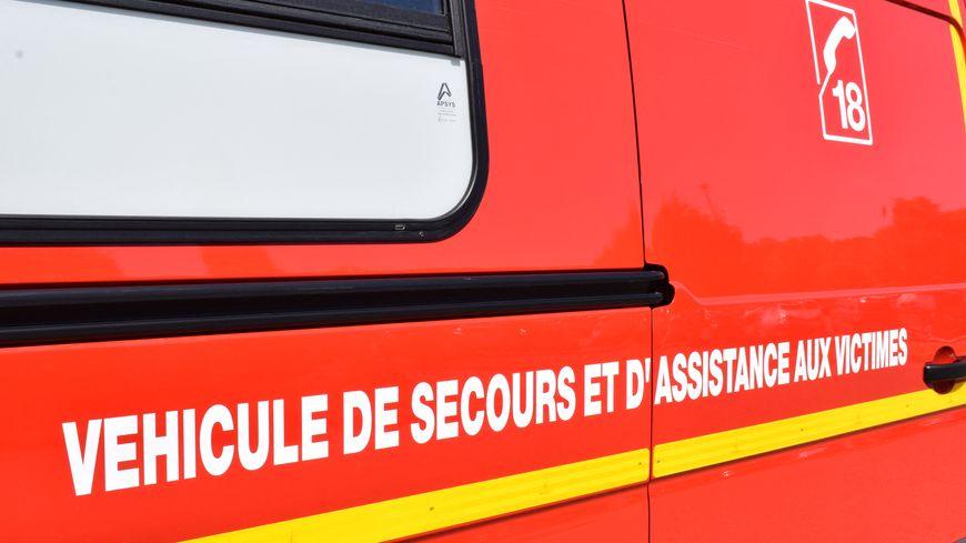 Vue partielle d'un camion de pompiers du Service départemental d'incendie et de secours (SDIS), mai 2019.