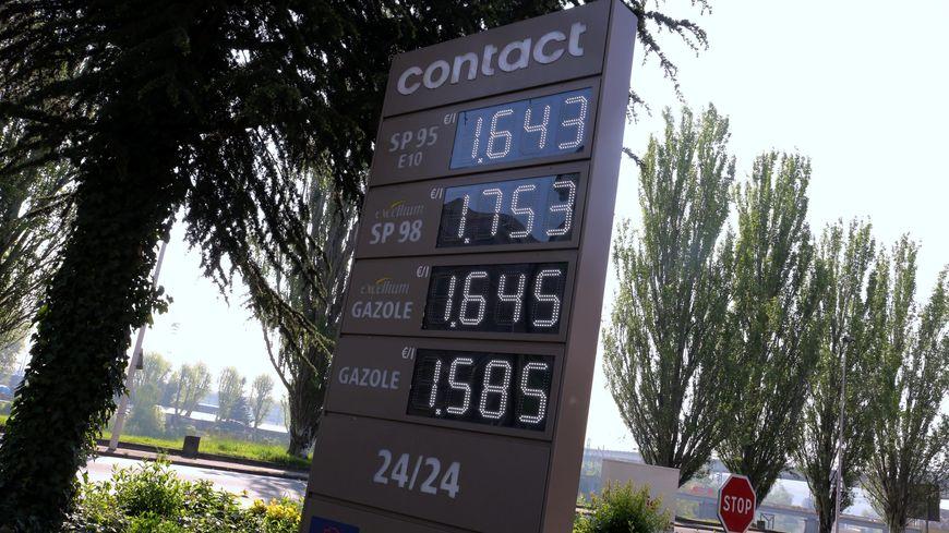 Forte hausse des prix du carburant en mai 2019.