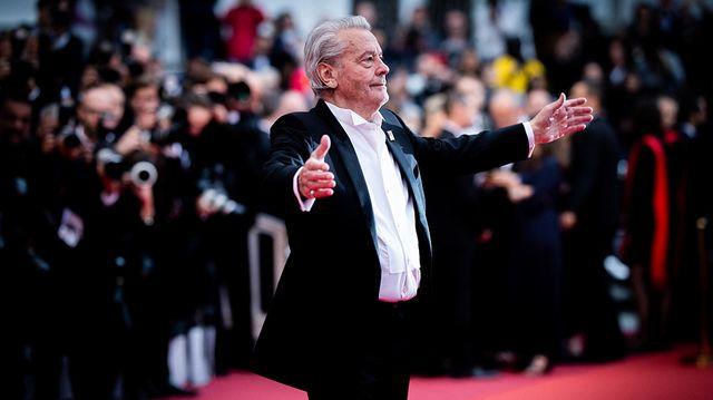 Alain Delon sur le tapis rouge du festival de Cannes