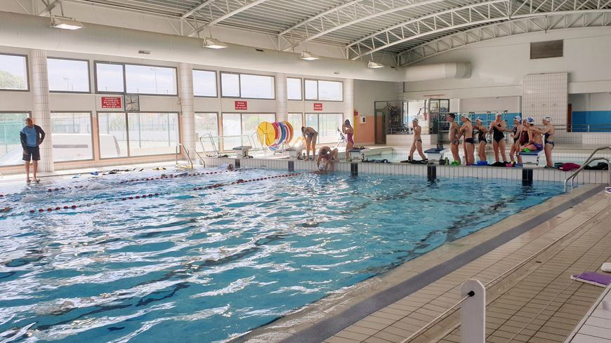 Des jeunes de quartiers prioritaires ont appris à nager pendant leurs vacances.