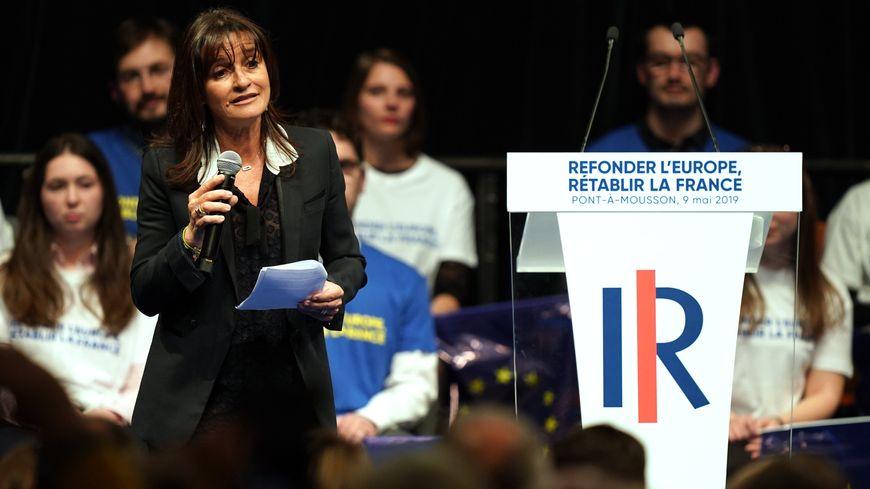 Nathalie Colin-Oesterlé pendant la campagne des européennes