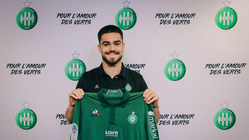 Lucas Llort a paraphé un contrat de trois saisons le liant au club stéphanois.