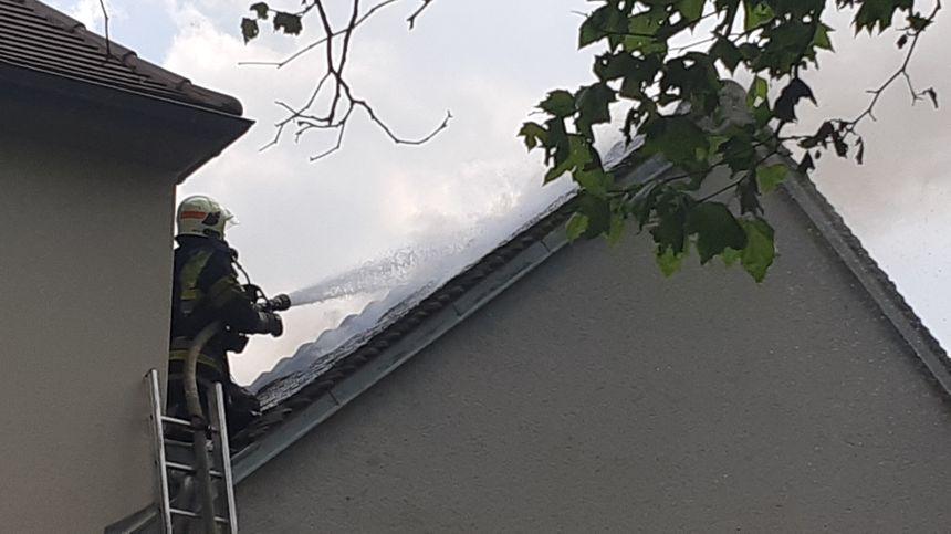 Seule une petite partie de la toiture a pu être sauvée