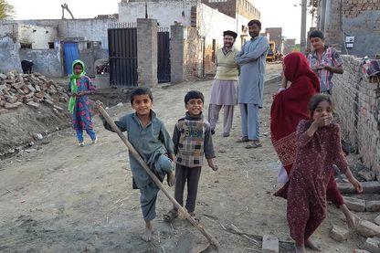 Scène de rue dans la ville de Rabwah, refuge des pakistanais de confession ahamdie.