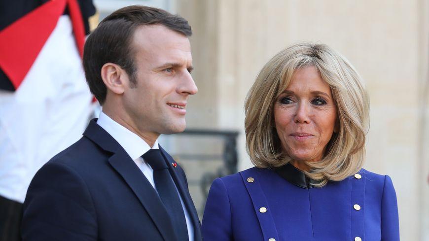 """L'histoire de Brigitte Macron est """"romanesque"""" explique Sylvie Bommel, auteure du livre paru ce jeudi."""
