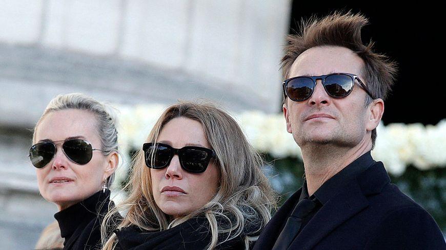 Laeticia Hallyday, Laura Smet et David Hallyday lors de l'hommage à Johnny, en septembre 2017.