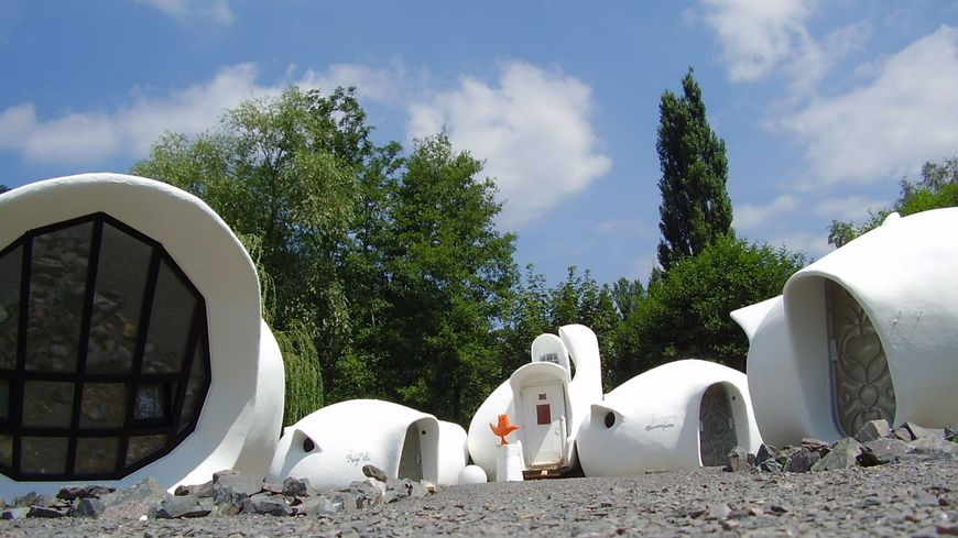 Le Museumotel et ses maisons bulles ont été construites dans les années 60 à Raon-l'Etape dans les Vosges