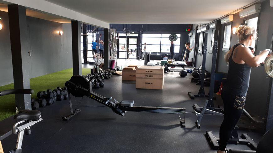 Dans la salle de sport Cross Fit Brest