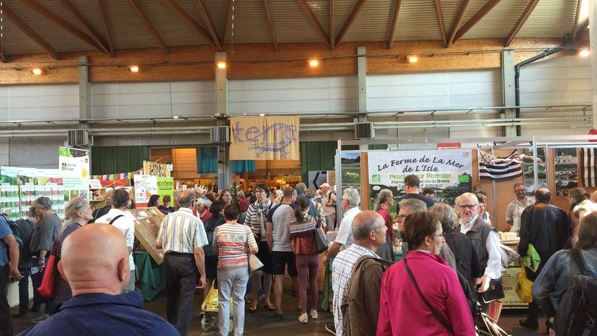 Il y a du monde dans les allées du Parc Expo de Colmar