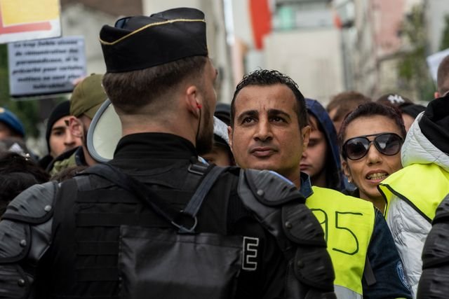 Le 4 mai 2019 à Paris face à face manifestants-policier