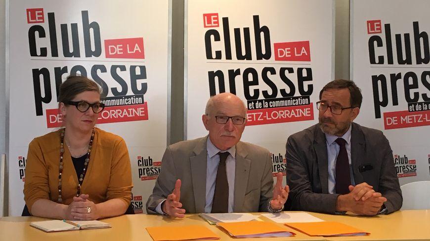 Le maire de Metz Dominique Gros en conférence de presse dans le cadre des élections européennes avec Charlotte Picard et Raphael Pitti, de la liste PS-Place Publique