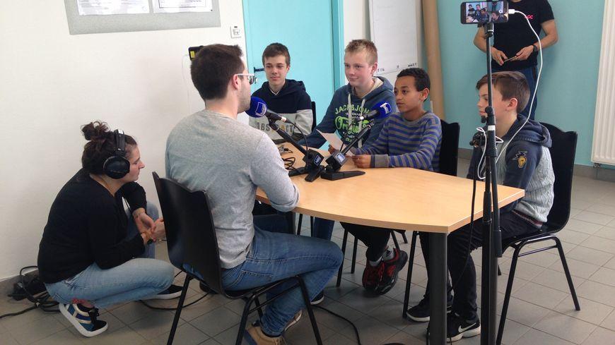 Les collégiens ont interviewé leurs invités au sein même du collège de Grez-en-Bouère.