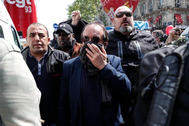 Le leader de la CGT, Philippe Martinez, affirme avoir du quitter la manifestation brièvement à cause des violences et avoir été visé par les policiers