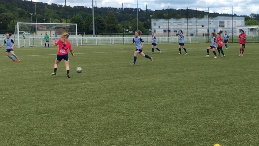 Les jeunes joueuses veulent plus de visibilité dans le football.