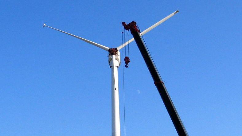Chantier d'installation d'une éolienne