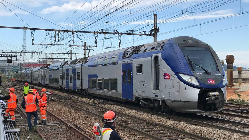 Le TER arrêté en pleine voie à Saint-Etienne