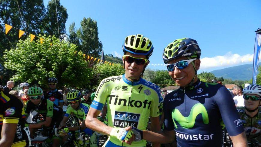 Alberto Contador (à gauche) et Nairo Quintana (à droite) en 2015, lors du départ d'une étape de la Route du Sud à Izaourt.
