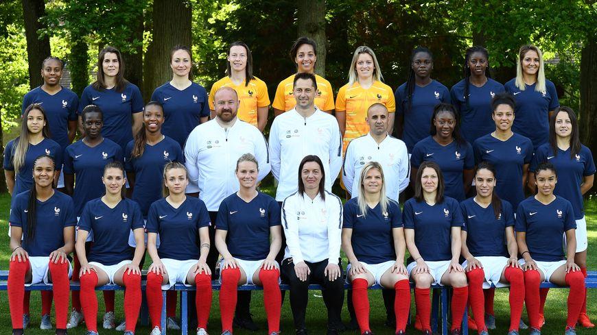 La photo officielle de l'Équipe de France féminine de football.