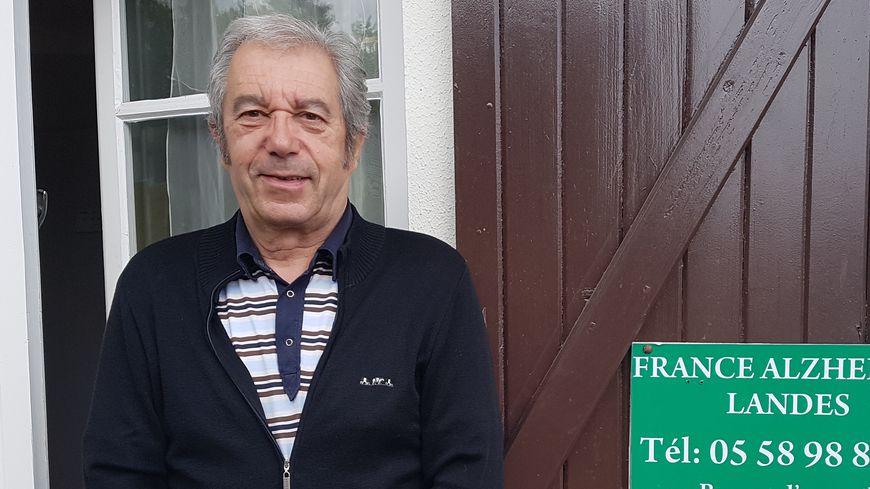 Francis, 70 ans, est atteint de la maladie d'Alzheimer depuis 4 ans