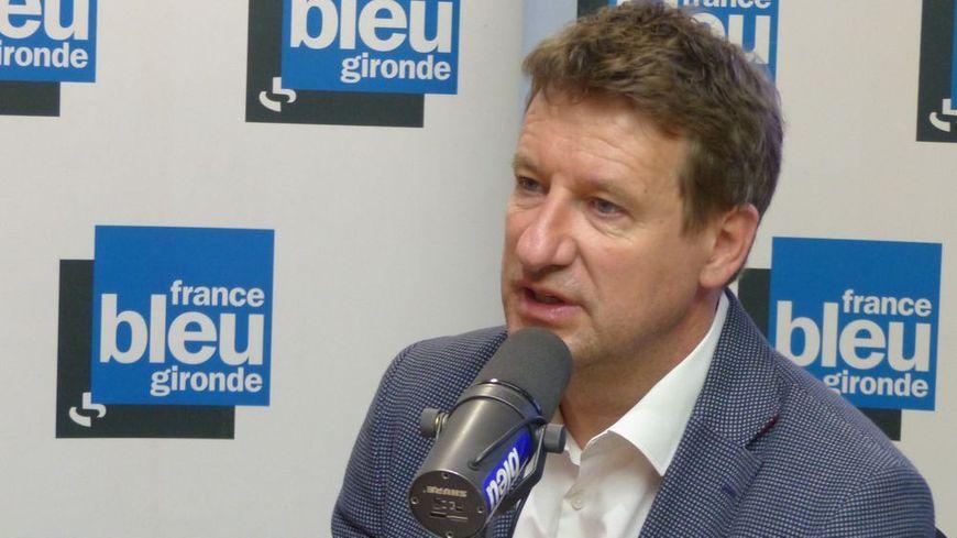 Yannick Jadot dans le studio de France Bleu Gironde.