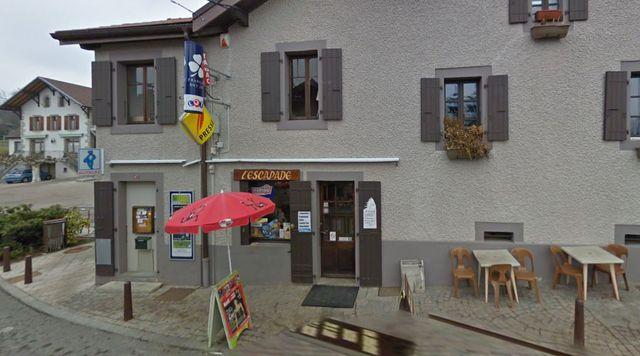 L'ancien bar-tabac de Daniel Forestier, L'escapade (Lucinges, Haute-Savoie), ici en 2011.