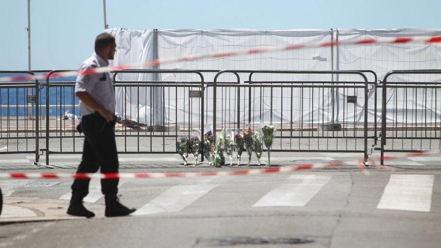La promenade des Anglais au lendemain de l'attentat de Nice