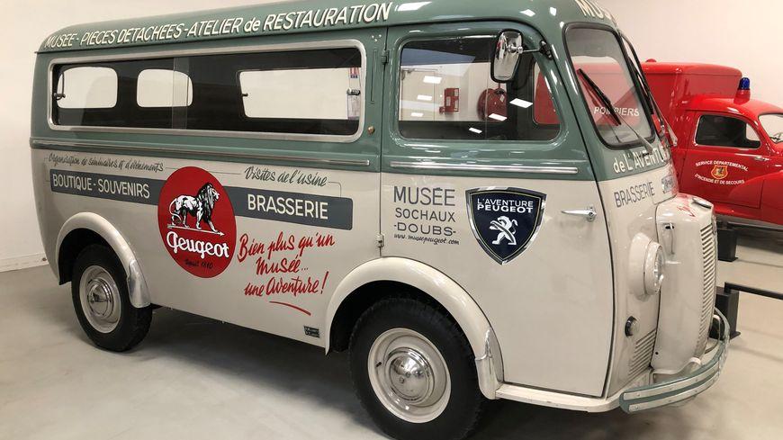 Le camion Peugeot de 1958