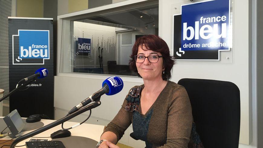 Juliette Béhar, Graphothérapeute clinicienne