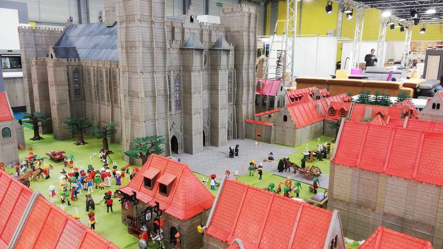 La cathédrale Saint-Pierre de Poitiers en Playmobil