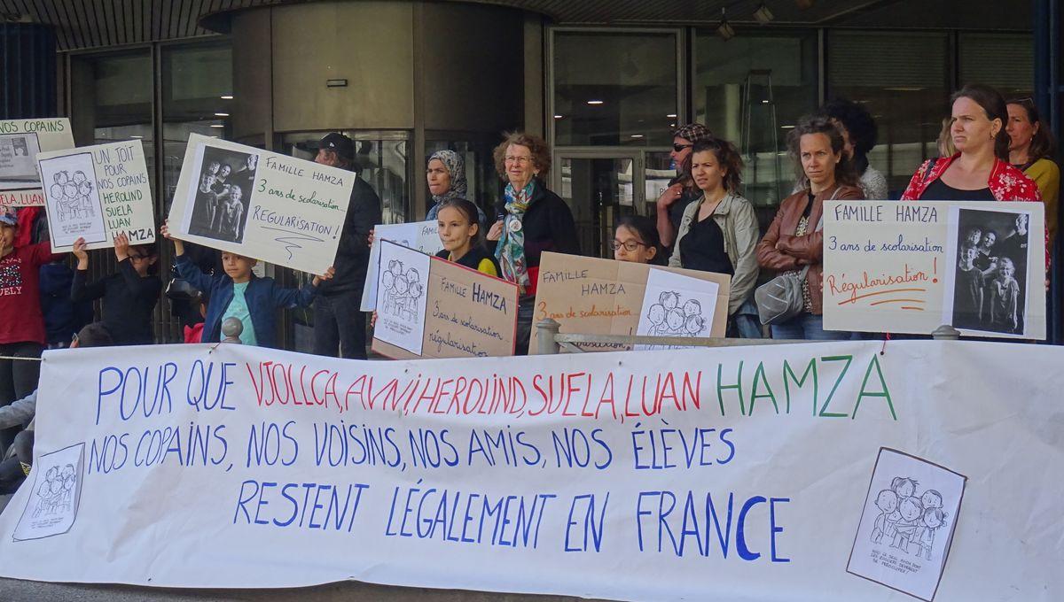 À Bordeaux, l'école Dupaty mobilisée pour empêcher l'expulsion d'une famille kosovare
