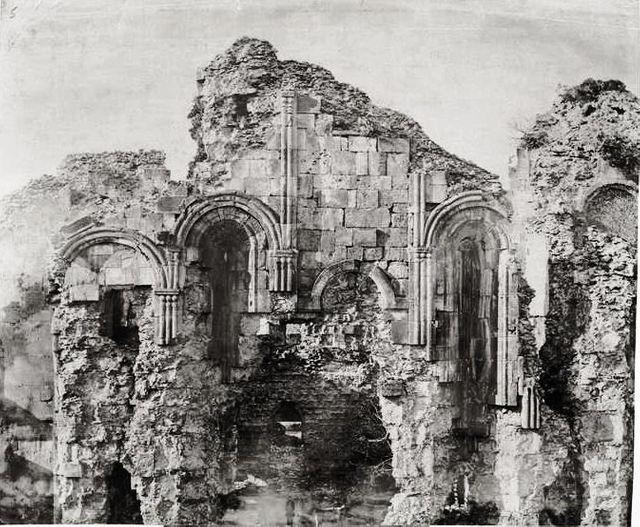 Les ruines de la cathédrale de Bagrati en 1870