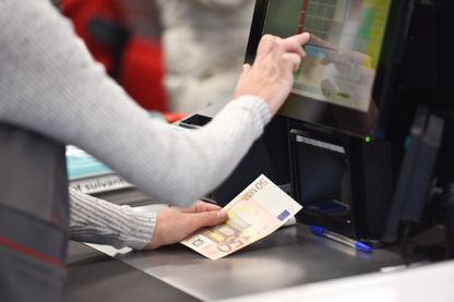 Les Français restent très attachés à l'argent liquide même si les paiements dématérialisés progressent