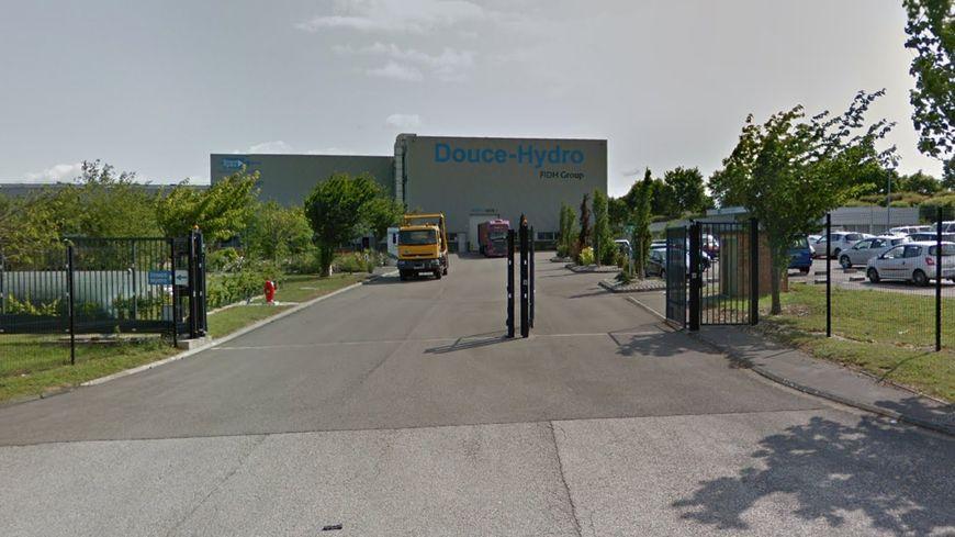 L'entrée de l'usine de vérins hydrauliques Douce-Hydro à Albert