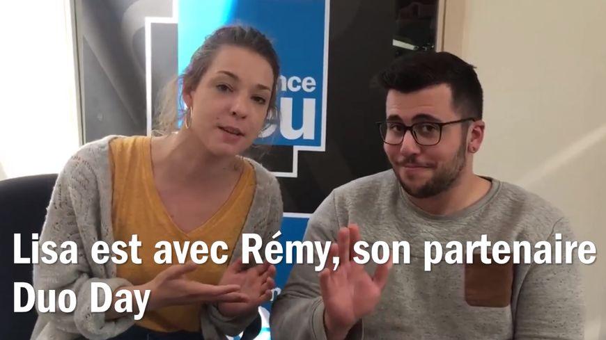 Lisa est avec Rémy, jeune handicapé, pour l'opération Duo Day