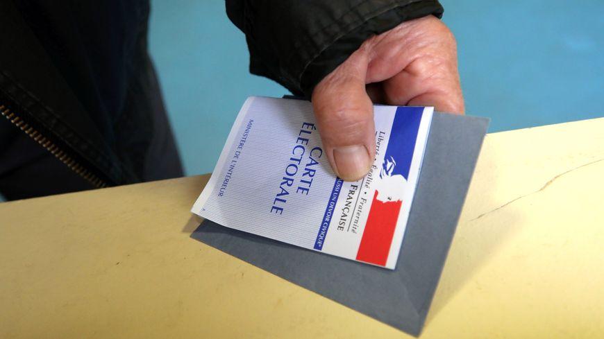 Une carte d'électeur (illustration)