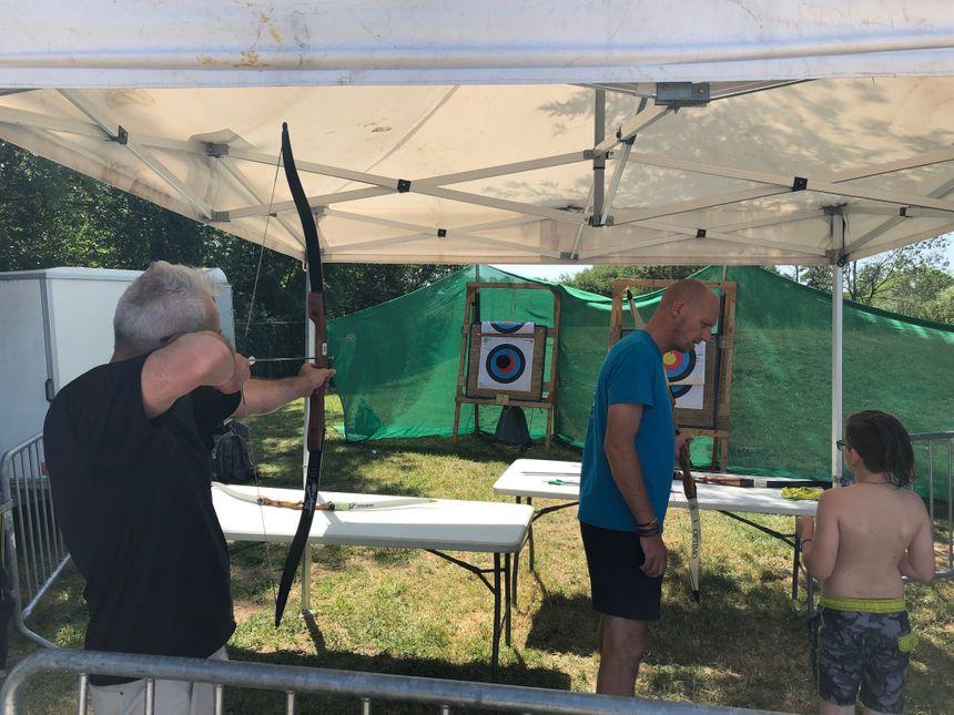 Réminiscence de Robin des bois au stand de tir à l'arc.
