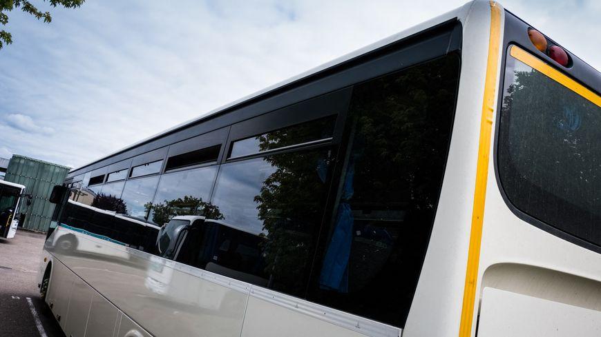 Le bus a pris feu suite à un incident mécanique (image d'illustration).