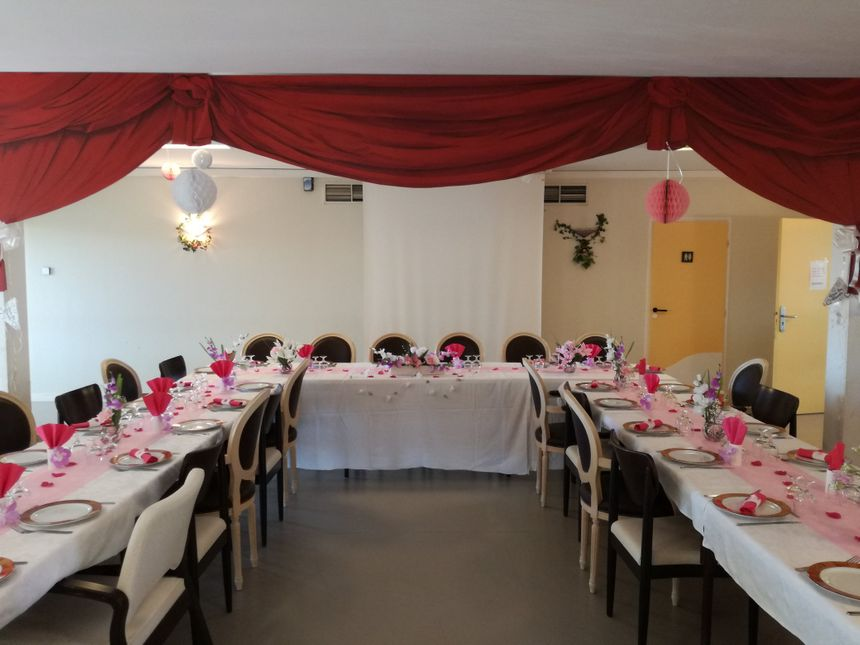 La salle à manger de l'EHPAD entièrement redécorée pour l'occasion.