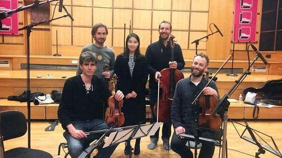 Le Quatuor Béla en compagnie de la compositrice Dahae Boo